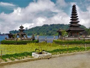 Ulun-Danu-Bratan-Temple-Bali-2