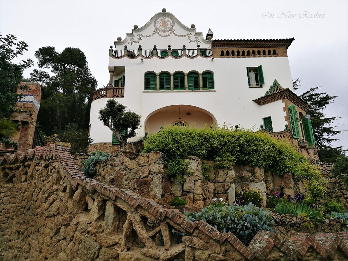 park-guell-spanish-house-barcelona