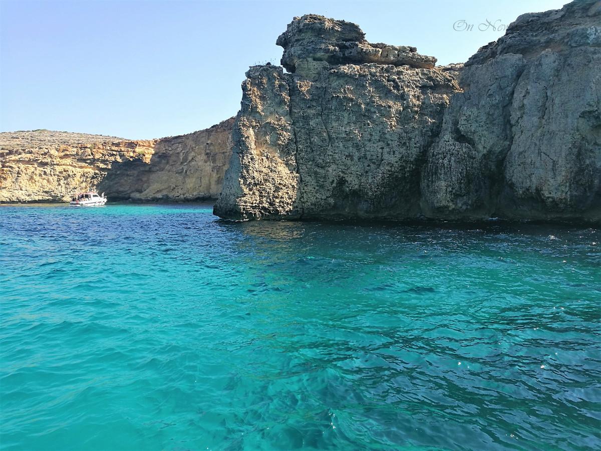 cliffs-comino-2