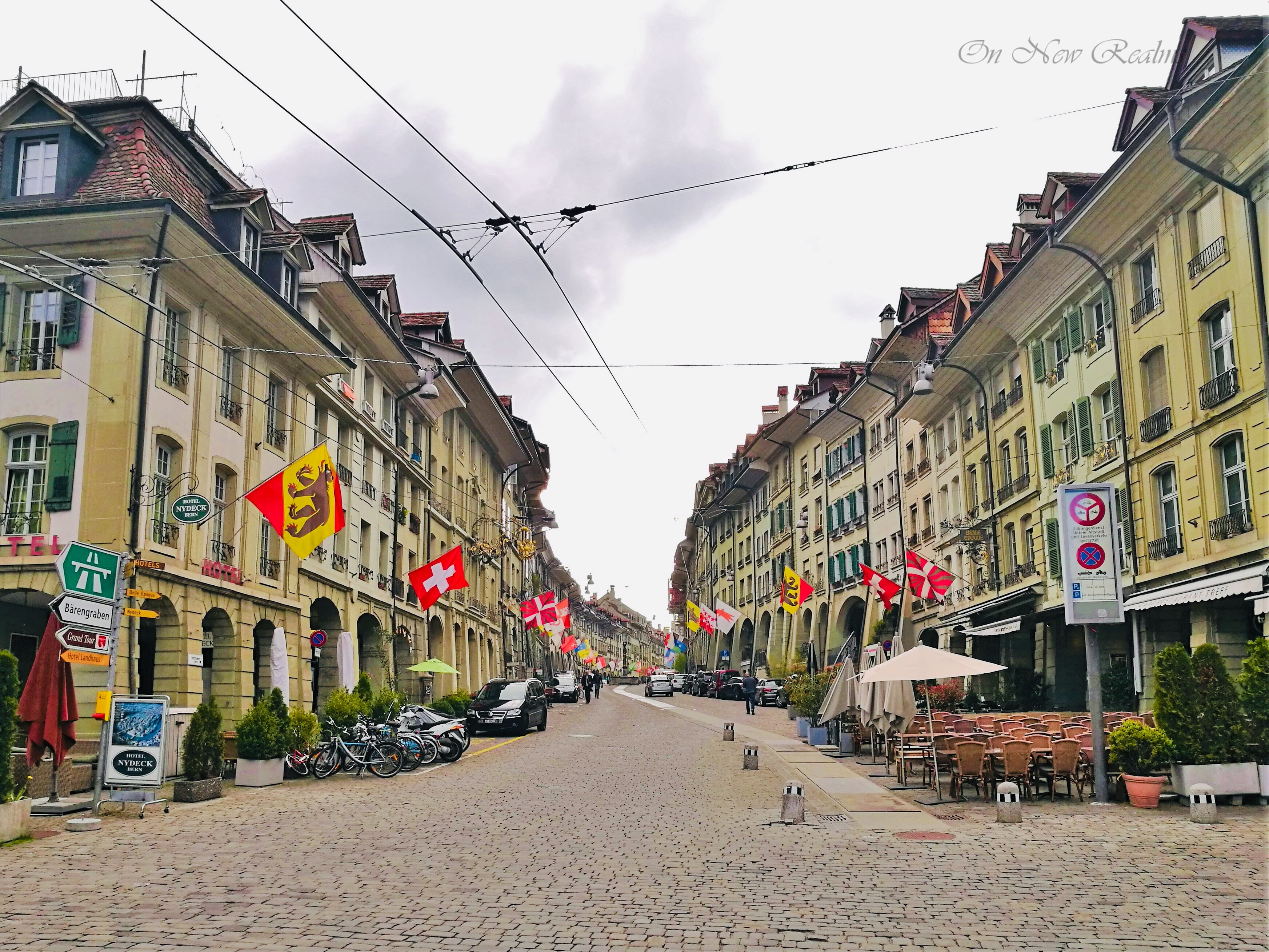 Bundesplatz-Bern-Switzerland-2