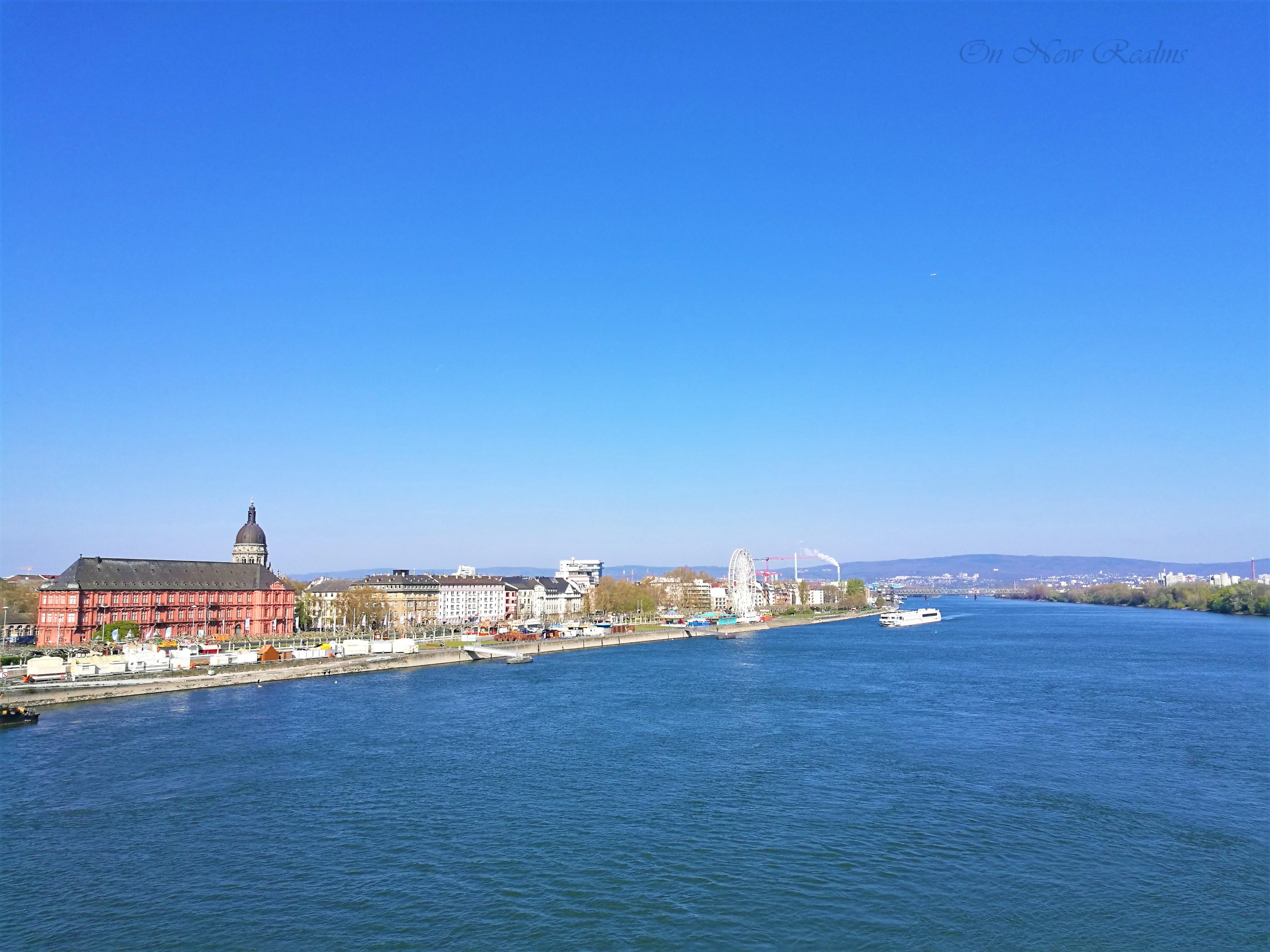 Rheinufer-Mainz-Germany