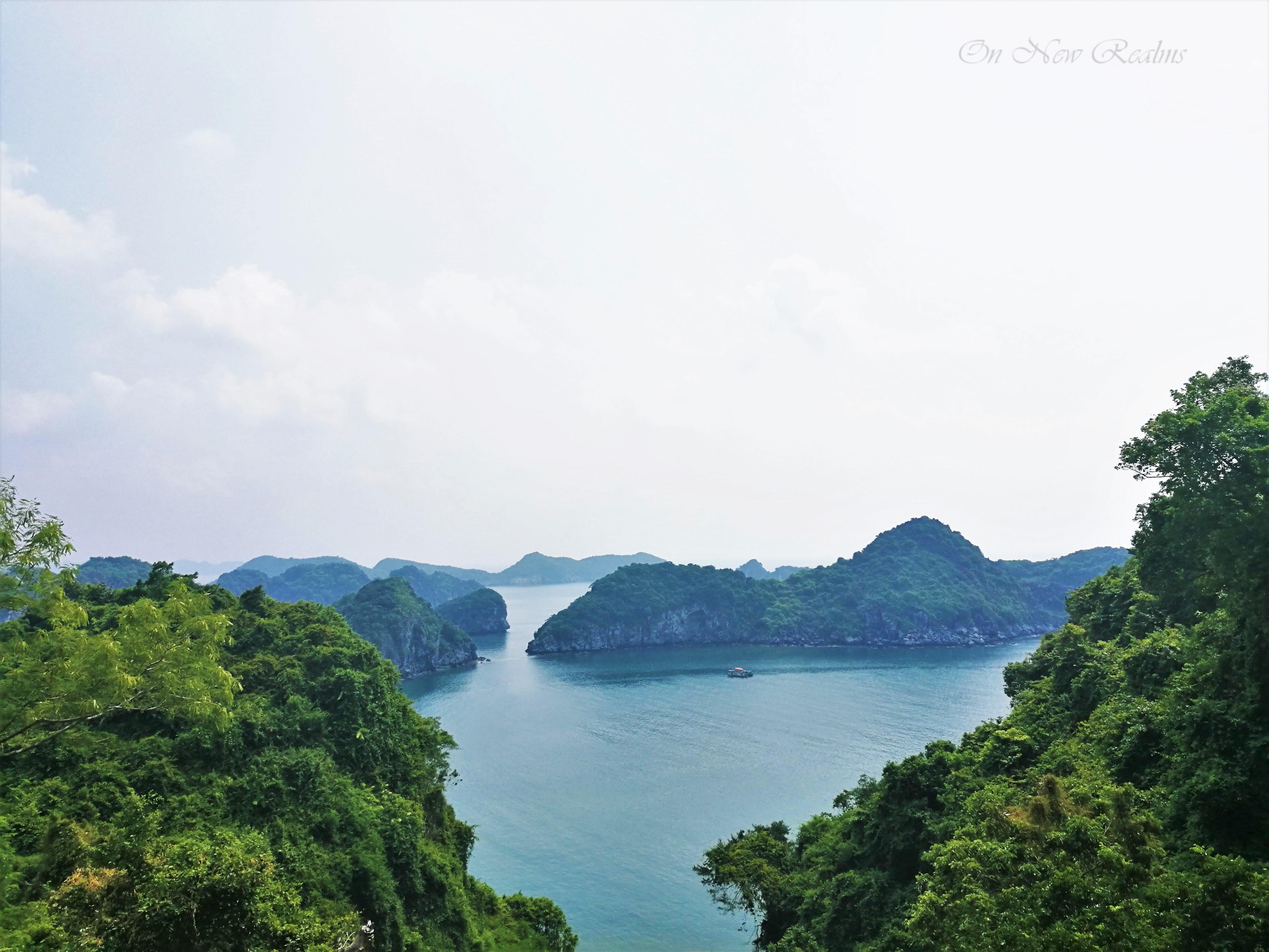 Lan-Ha-Bay-CatBa-Island-Vietnam