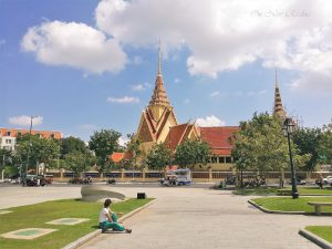 Phnom-Penh-Royal-Palace-2-scaled