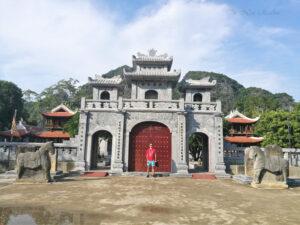 Thai-Vi-Temple-Tam-Coc-Ninh-Binh-2-scaled.jpg