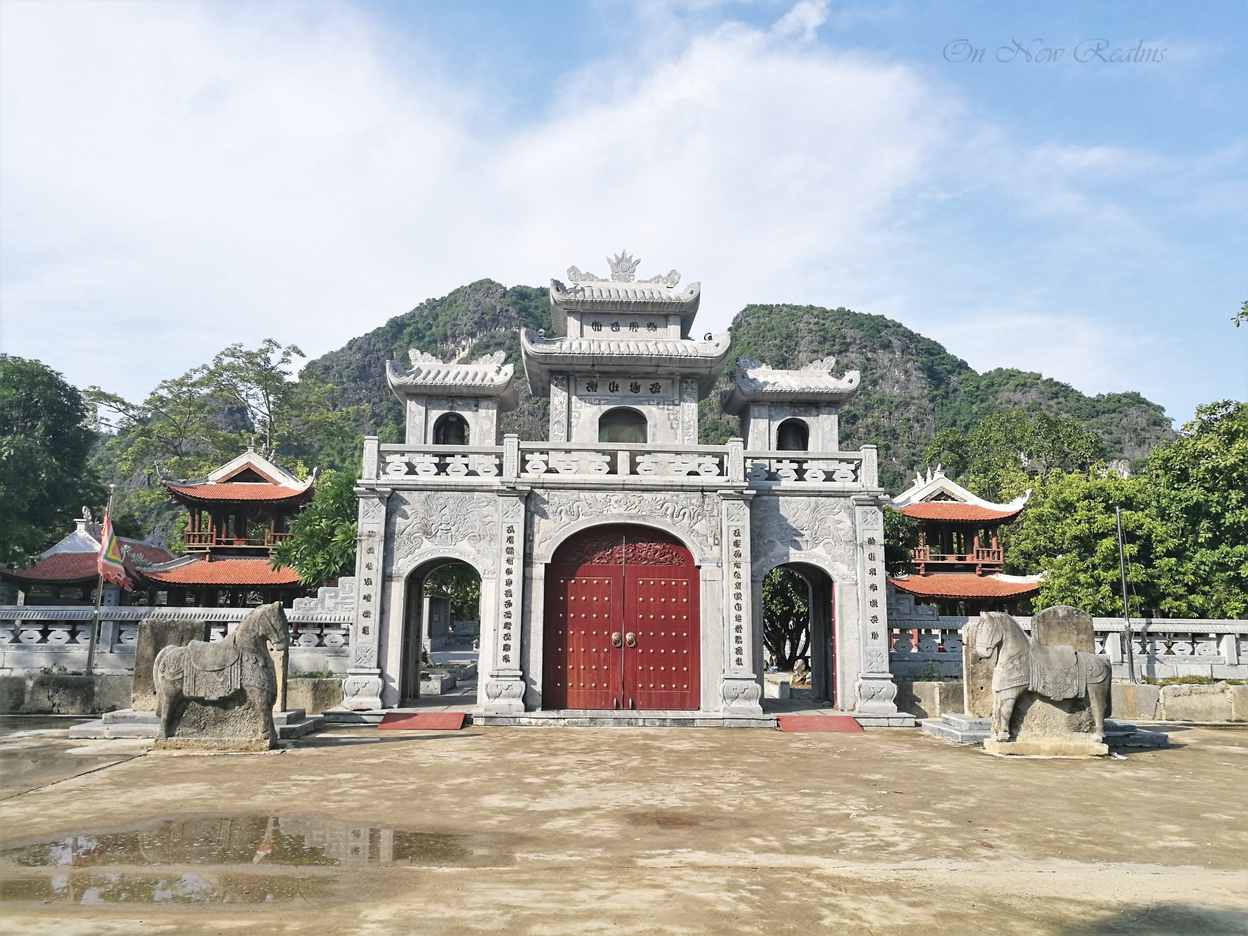 Thai-Vi-Temple-Tam-Coc-Ninh-Binh-scaled